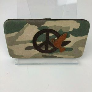 CHATEAU Camo & Faux Leather Wallet Clutch Peace
